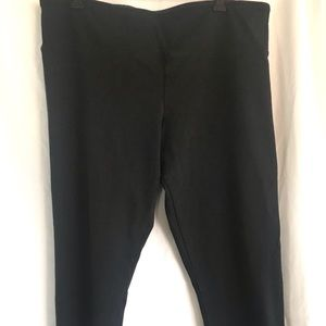 The Limited black cropped pants